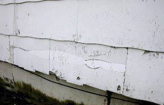 Damaged_Asbestos_siding